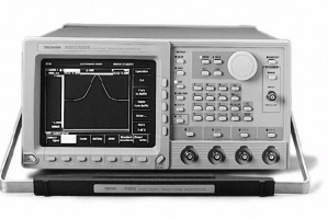 Tektronix AWG2005 option 02,04